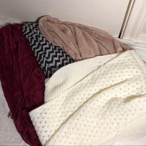Bundle of 5 scarves white, pink, black, maroon